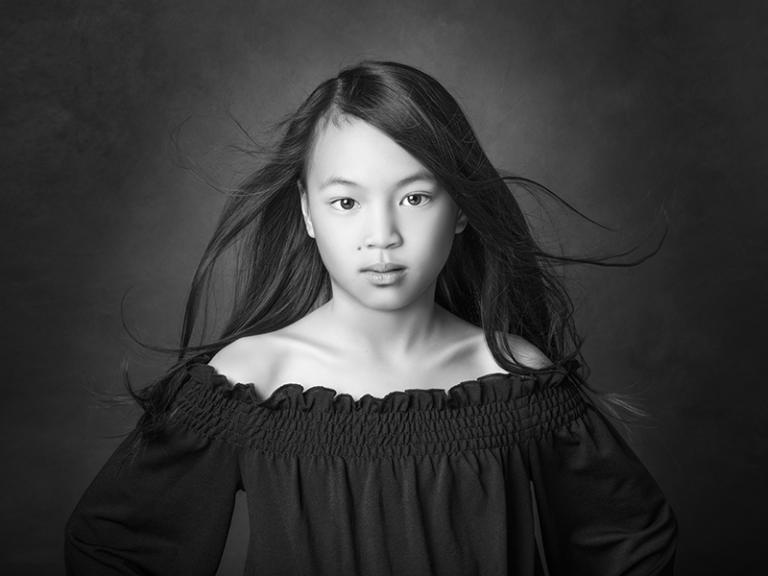 Fineart barnporträtt i svartvitt