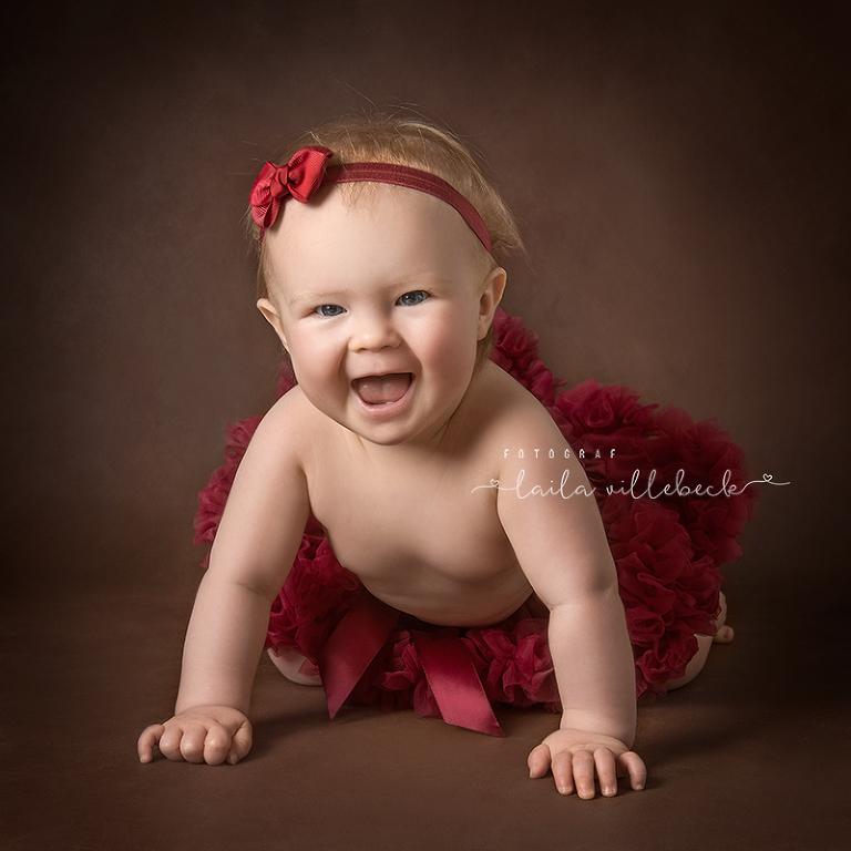 Babyfotografering med outfit från Hoppiloo