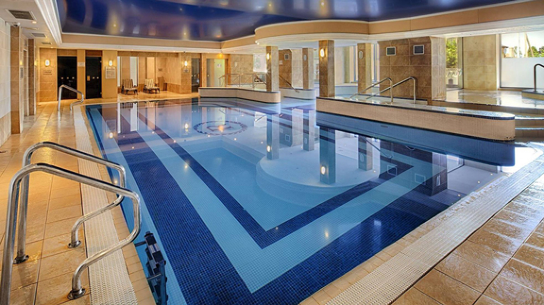 Fin pool på hotellet